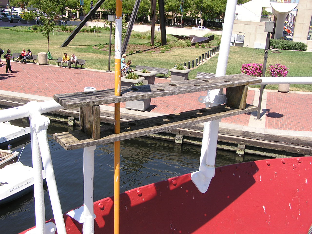 Swab rack on the Fantail - Before - August 2008